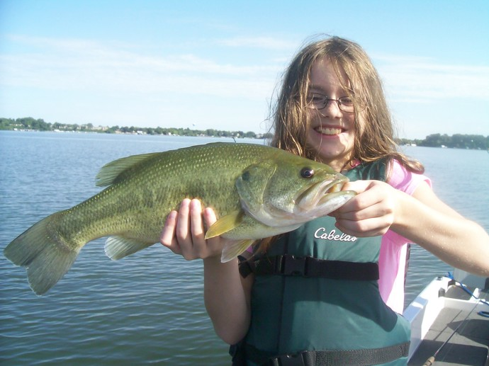Page 2 3 bass fishing photos from schroeder 39 s guide service for Lake minnetonka fishing guide